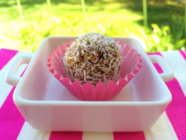 apricot-bliss-ball-1